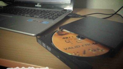 Portable external CD Drive