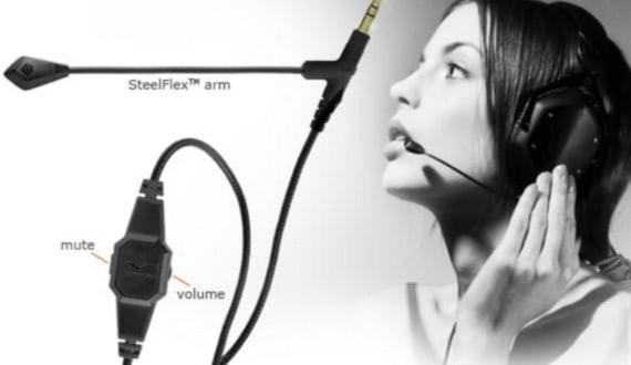 Microphone in headphones