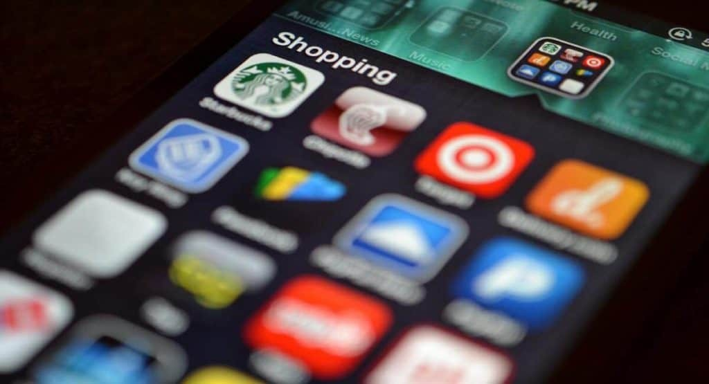 Shopping apps on smartphone